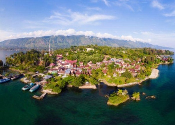 The Best Way to Exploring the Lake Toba, Indonesia